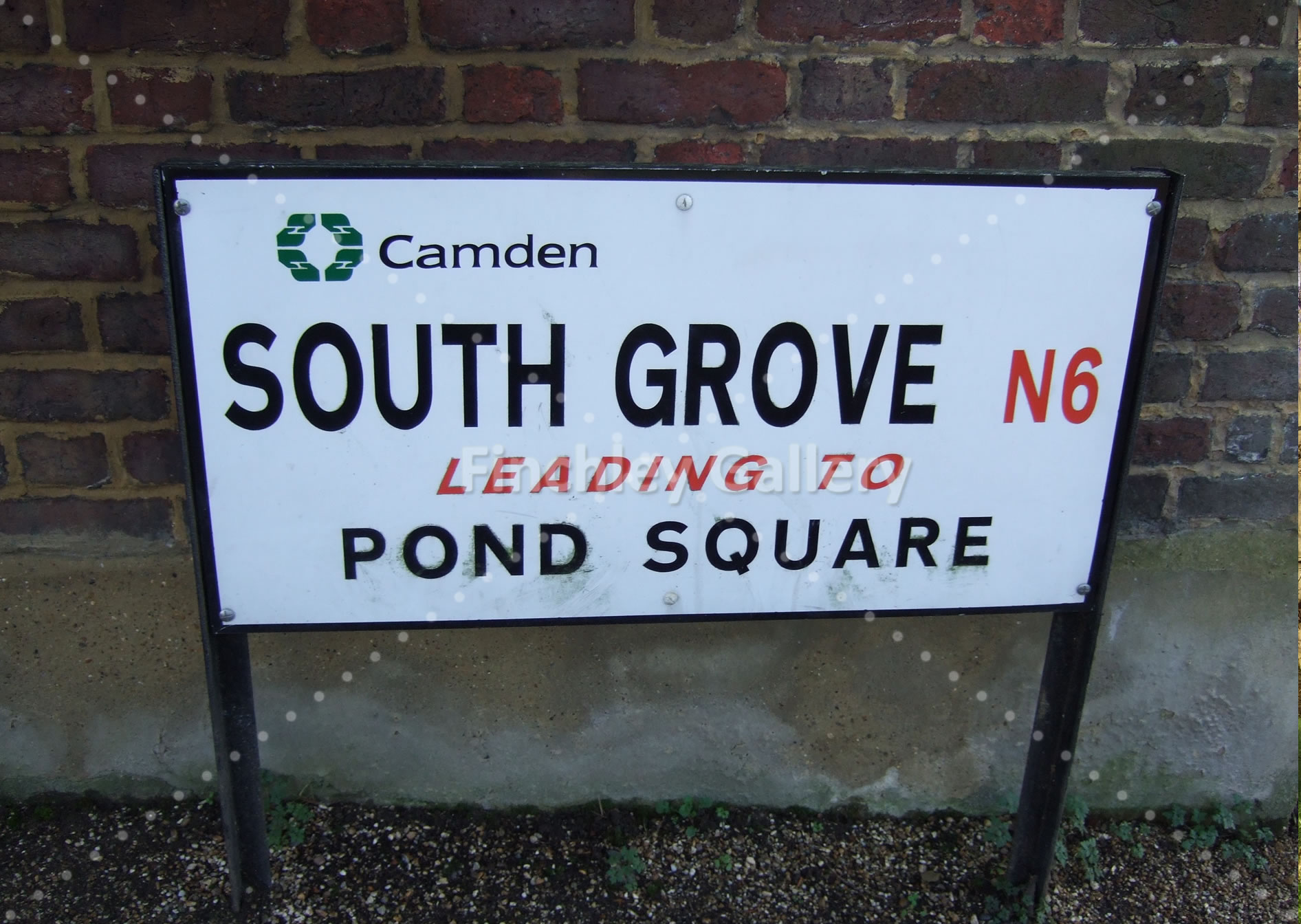 South Grove Pond Square sign Highgate
